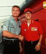 David Coulthard és Michael Schumacher kezet fognak