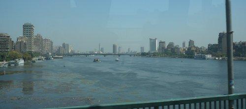 A Nílus egy hídról
