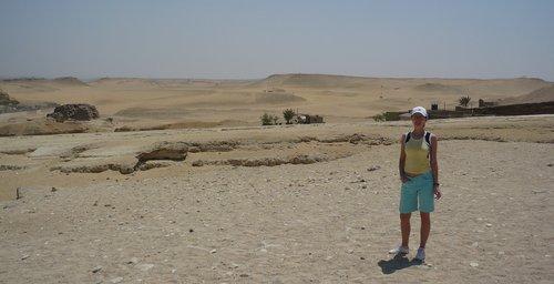 Noémi áll a Szahara szélén