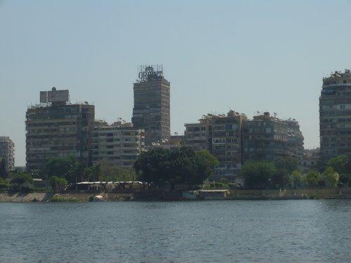 Szakadt házak a Nílus partján