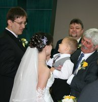 Esküvő az önkormányzatnál, gratulációk