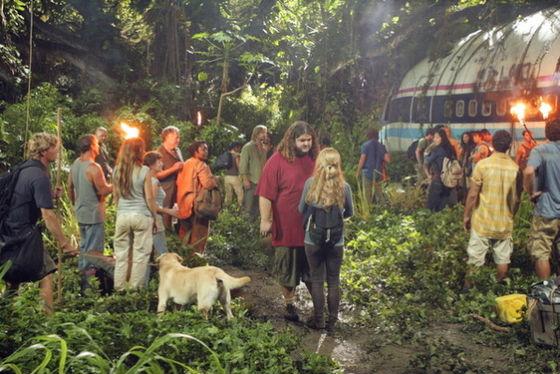 A Lost stábja egy jelenet forgatása közben a dzsungelben