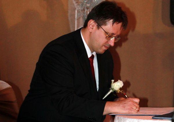 Tanúként aláírok Gergő esküvőjén